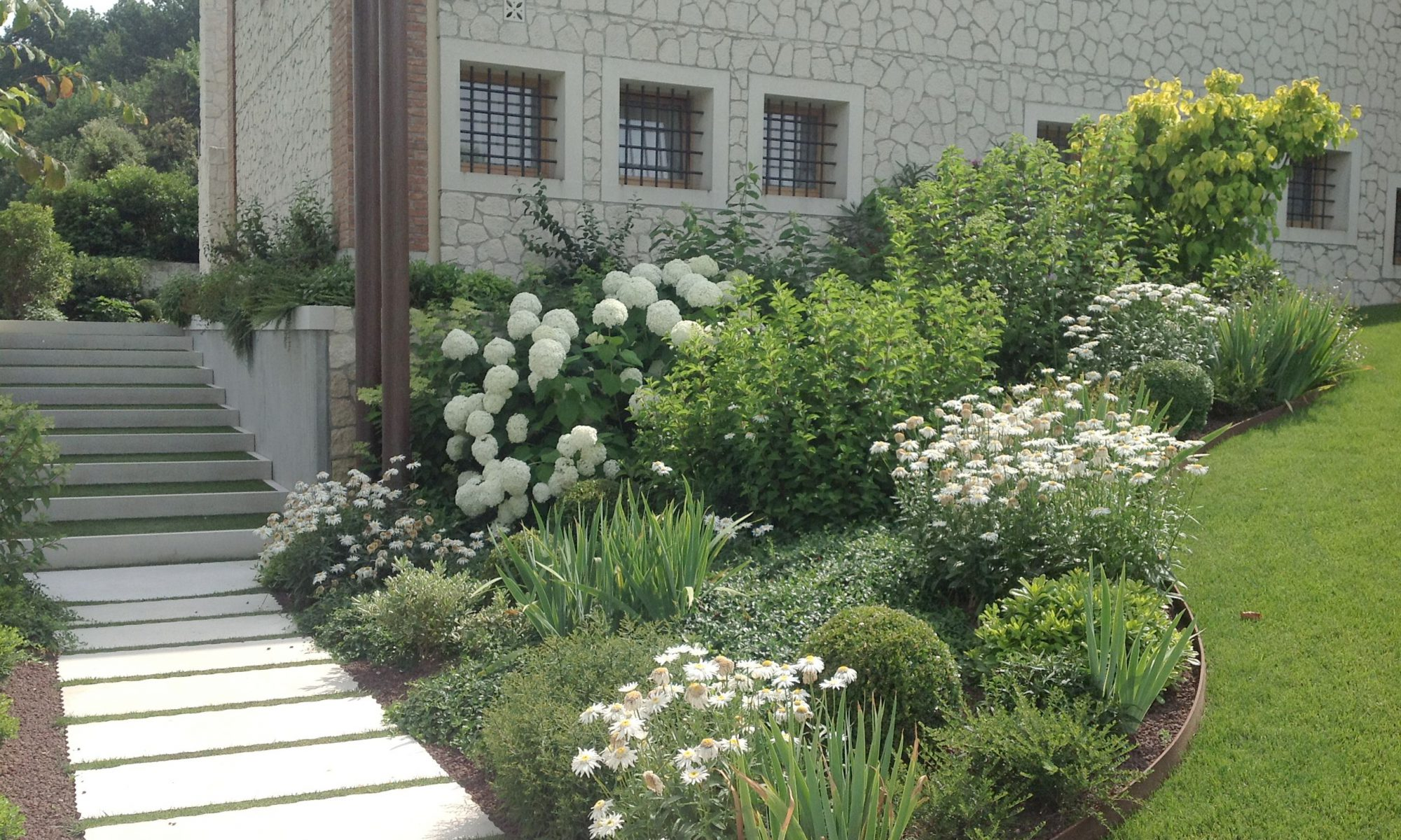 Realizzazione di giardini a Treviso e Venezia