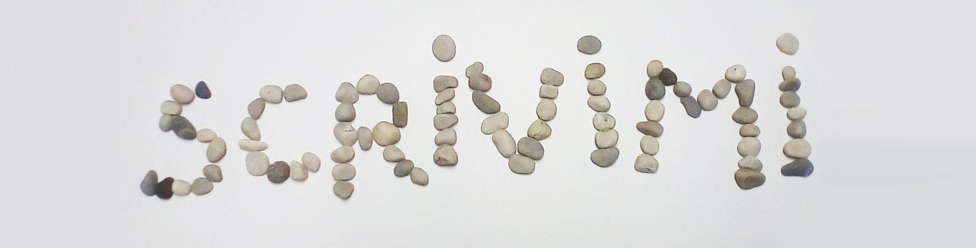 parola Scrivimi scritta con i sassi per indurre a contattare AMBIENS VITAE